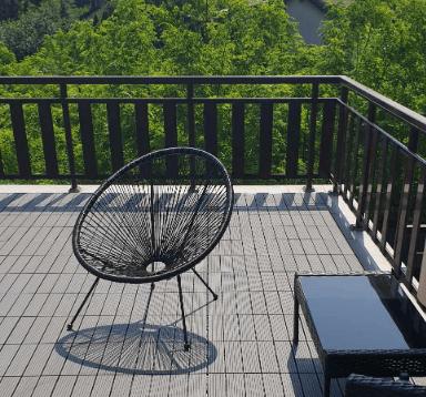 Balkon z paneli kompozytowych 30x30 antracyt