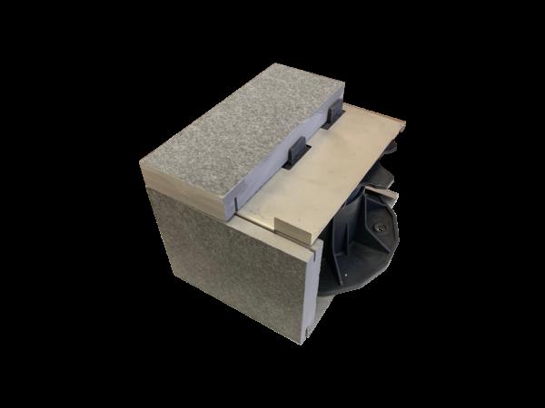 IMG 1539 600x450 - Element mocujący APC-1