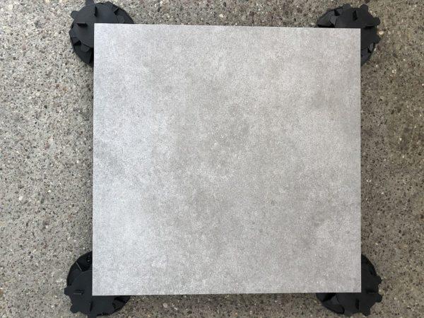 gres sierra grau góra zbliż 600x450 - Płyta Tarasowa Gresowa Grau 60x60x2cm