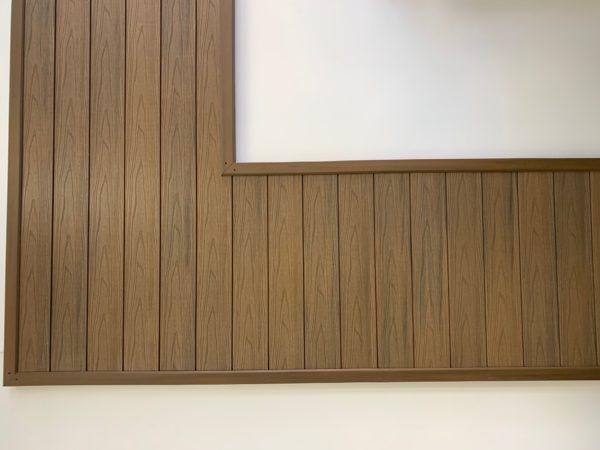 elewacja salon 600x450 - Listwa Kompozytowa Kątowa Premium Złoty Dąb - dł. 3m